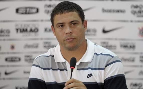 Ro beo: 'Messi so huu pham chat ma Ronaldo khong co' hinh anh 1