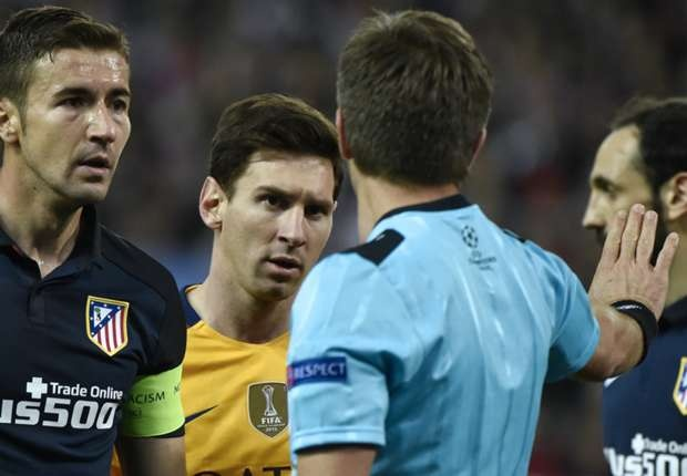 Rio Ferdinand: 'Thang Barca khong dang de an mung' hinh anh 2