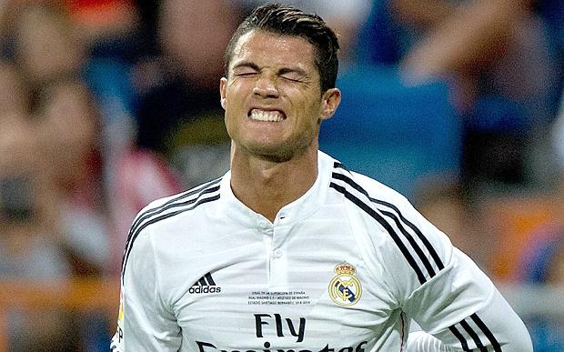 Ronaldo buoc phai nghi thi dau vi chan thuong hinh anh
