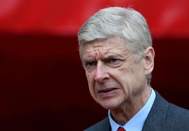 Arsene Wenger bong gio viec roi Arsenal vao cuoi mua hinh anh