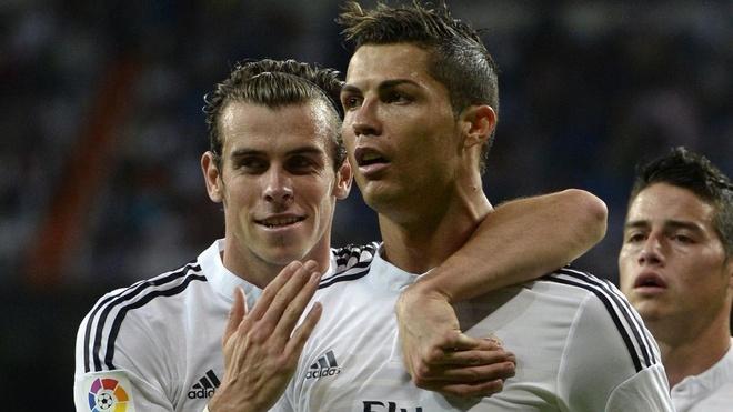 Zidane ca ngoi Bale truoc mat Ronaldo hinh anh