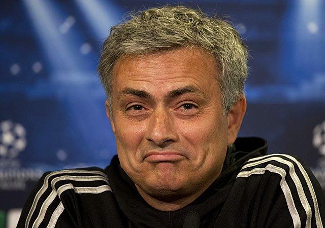 Mourinho mia mai Ranieri sau chuc vo dich Premier League hinh anh