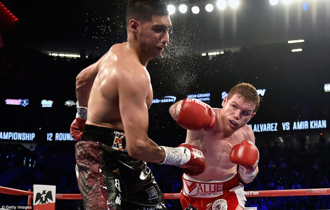 Amir Khan nhap vien khan cap sau tran tranh dai WBC hinh anh