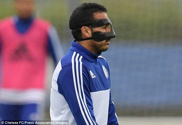 Pedro deo mat na o tran gap Liverpool vi ly do lang xet hinh anh