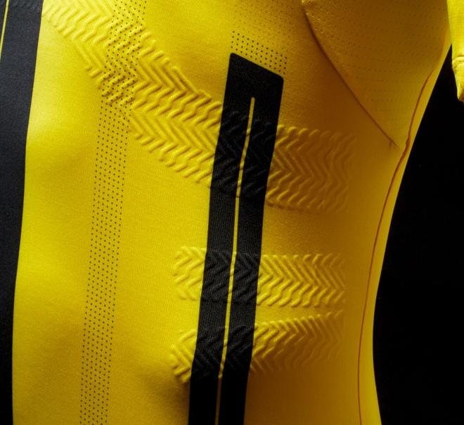Marco Reus co don trong buoi ra mat ao dau moi cua Dortmund hinh anh 3