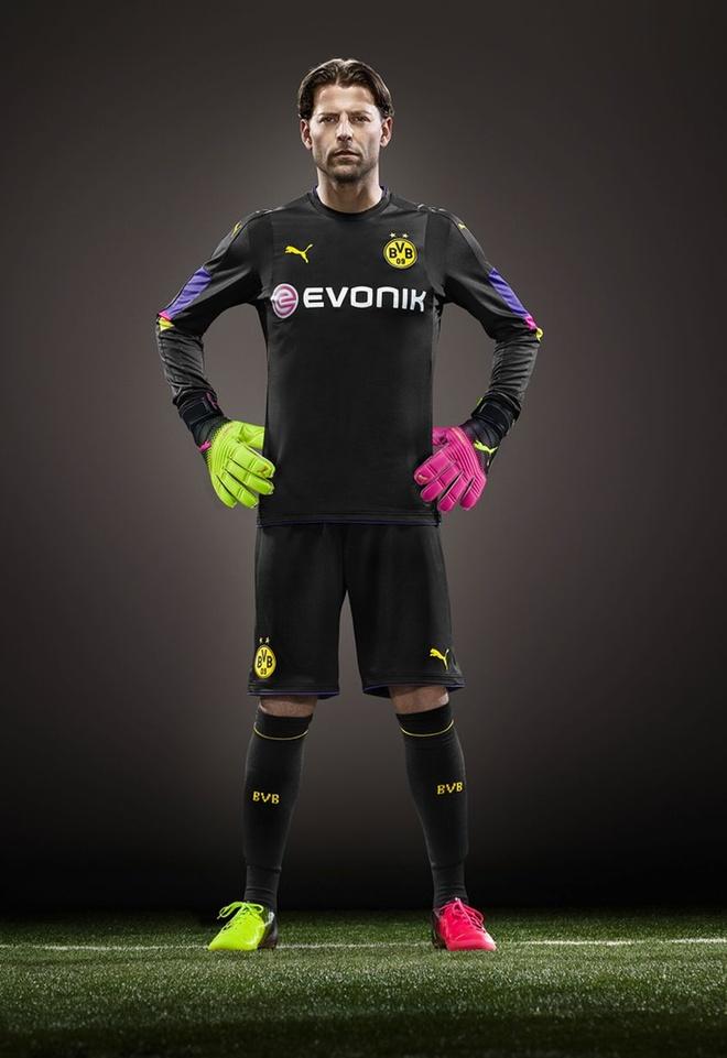 Marco Reus co don trong buoi ra mat ao dau moi cua Dortmund hinh anh 6