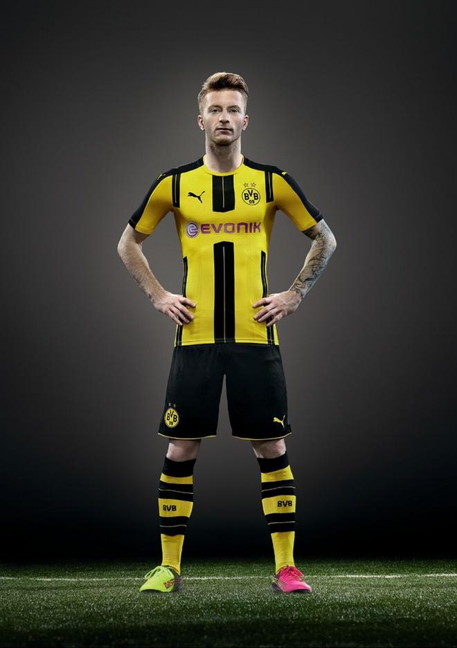 Marco Reus co don trong buoi ra mat ao dau moi cua Dortmund hinh anh 4