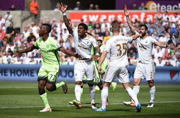 Man City mat top 4 neu MU thang Bournemouth 19 ban cach biet hinh anh 1