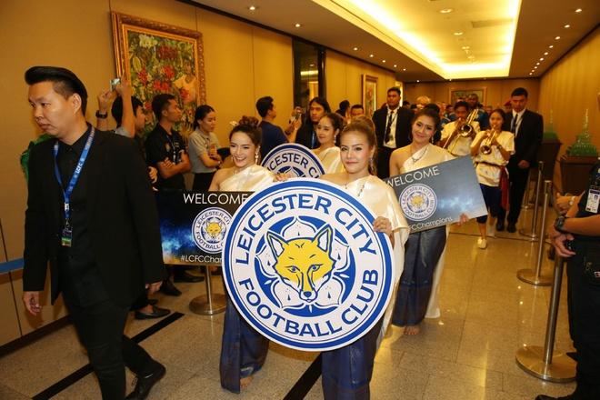 Leicester City duoc chao don nhu nguoi hung tai Thai Lan hinh anh