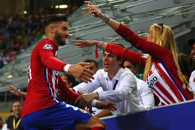 Sao Atletico duoc hoa hau Bi 'thuong' sau khi xe luoi Real hinh anh