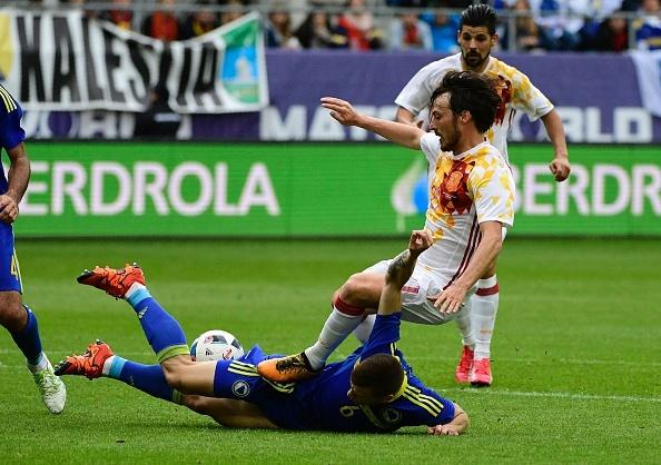 Pedro lap cong giup Tay Ban Nha thang de Bosnia hinh anh 5