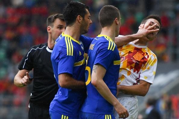 Pedro lap cong giup Tay Ban Nha thang de Bosnia hinh anh 8
