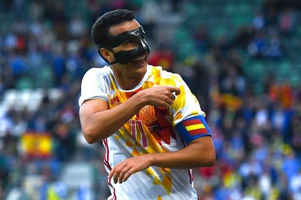 Pedro lap cong giup Tay Ban Nha thang de Bosnia hinh anh