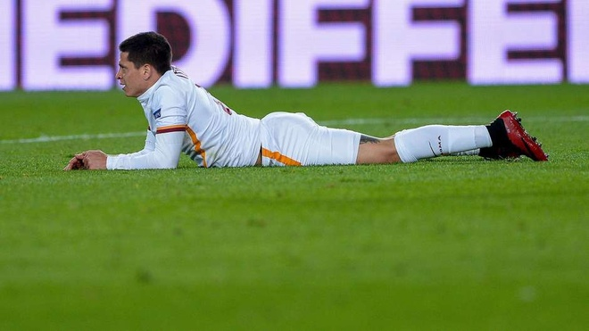 Ngoai hang Anh thong linh doi hinh te nhat Champions League hinh anh 10
