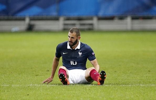 Khong duoc du EURO, Benzema chi trich HLV Didier Deschamps hinh anh 1