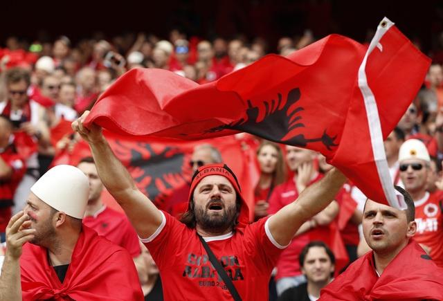 Thuy Si - Albania (1-0): Tiec cho Albania hinh anh 7