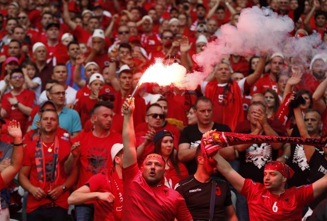 Thuy Si - Albania (1-0): Tiec cho Albania hinh anh 26