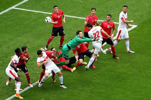 Thuy Si - Albania (1-0): Tiec cho Albania hinh anh 22