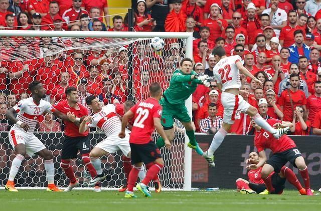 Thuy Si - Albania (1-0): Tiec cho Albania hinh anh 16