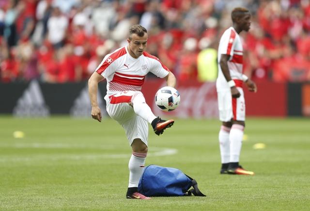 Thuy Si - Albania (1-0): Tiec cho Albania hinh anh 10