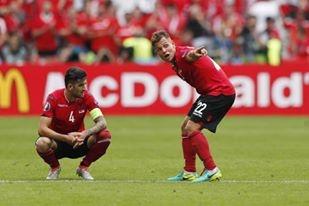 Thuy Si - Albania (1-0): Tiec cho Albania hinh anh 28