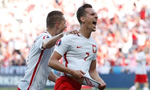 Ba Lan 1-0 Bac Ireland: Chien thang dau tay cua 'Dai bang' hinh anh