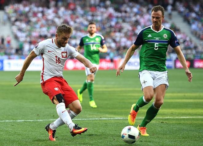 Ba Lan 1-0 Bac Ireland: Chien thang dau tay cua 'Dai bang' hinh anh 23