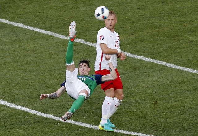Ba Lan 1-0 Bac Ireland: Chien thang dau tay cua 'Dai bang' hinh anh 24