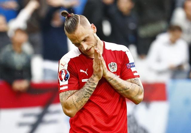 Ao vs Hungary (0-2): Phoi ao ngay ra quan hinh anh
