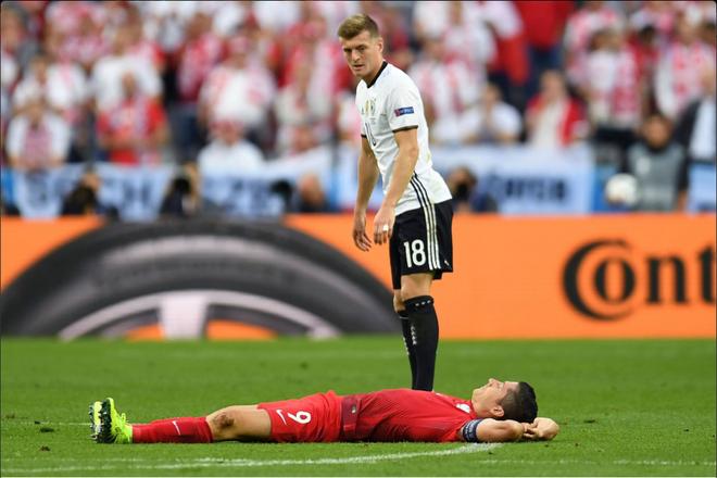 Duc vs Ba Lan (0-0): Be tac toan tap hinh anh 27