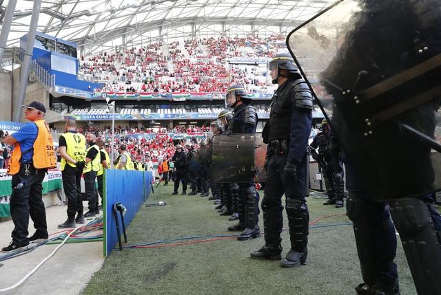 Truc tiep Iceland vs Hungary anh 7