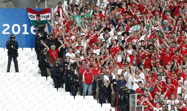 Truc tiep Iceland vs Hungary anh 15