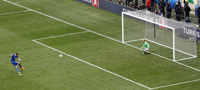 Truc tiep Iceland vs Hungary anh 16
