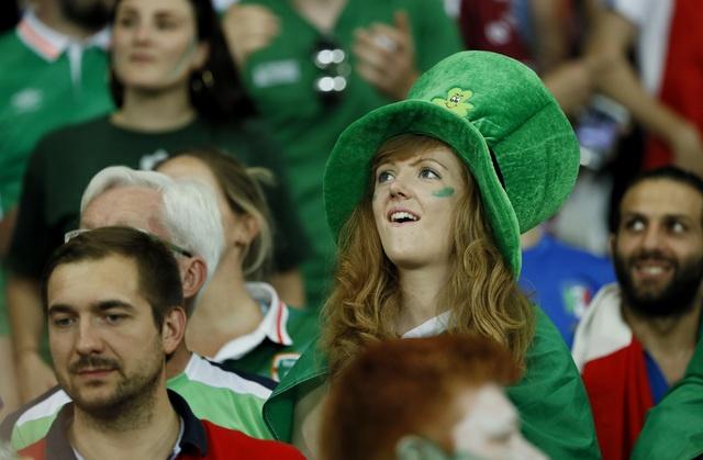 Danh bai Italy, CH Ireland lan dau vuot qua vong bang Euro hinh anh 13