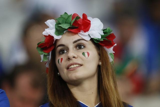 Danh bai Italy, CH Ireland lan dau vuot qua vong bang Euro hinh anh 14