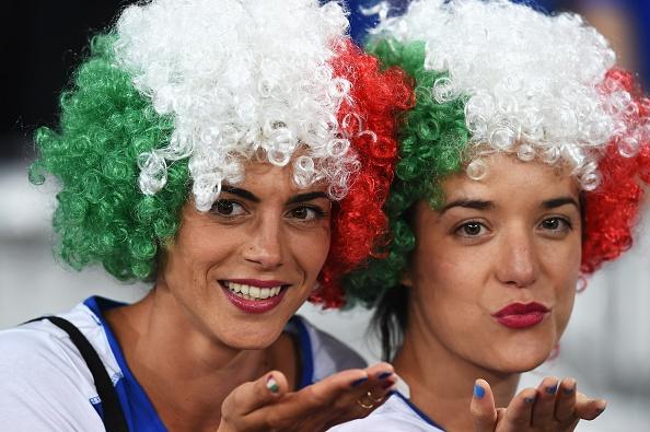 Danh bai Italy, CH Ireland lan dau vuot qua vong bang Euro hinh anh 9