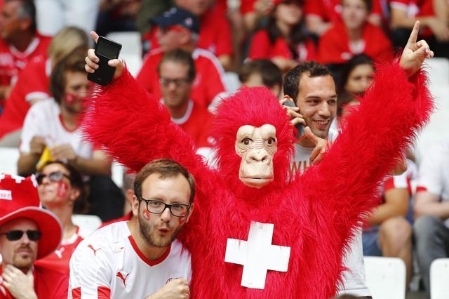 Ba Lan gianh ve vao tu ket sau loat penalty can nao hinh anh 9