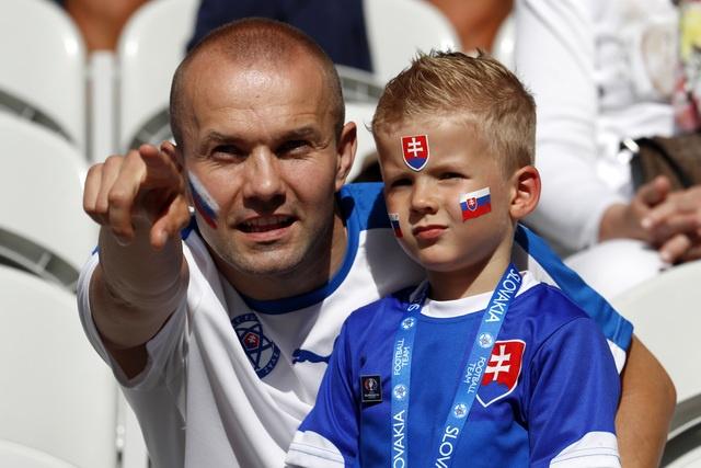 Duc vao tu ket sau chien thang 3 sao truoc Slovakia hinh anh 8