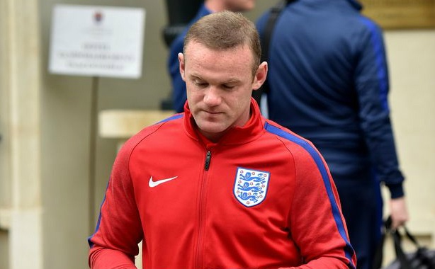 Rooney cung dong doi cui gam mat tro lai Anh hinh anh