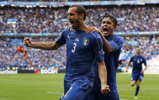 Chiellini hay nhat tran Italy vs Tay Ban Nha hinh anh