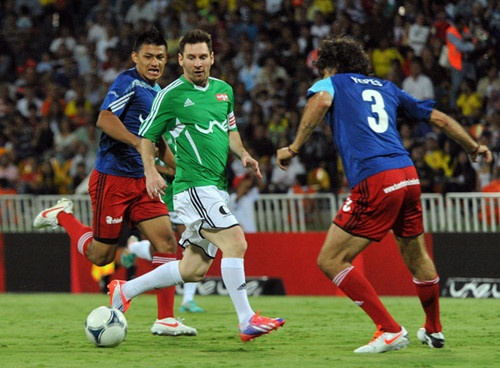Nhung be boi noi tieng trong su nghiep Lionel Messi hinh anh 2