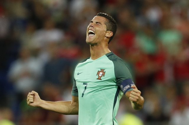 Ronaldo - cau thu hay nhat tran Bo Dao Nha vs Wales hinh anh