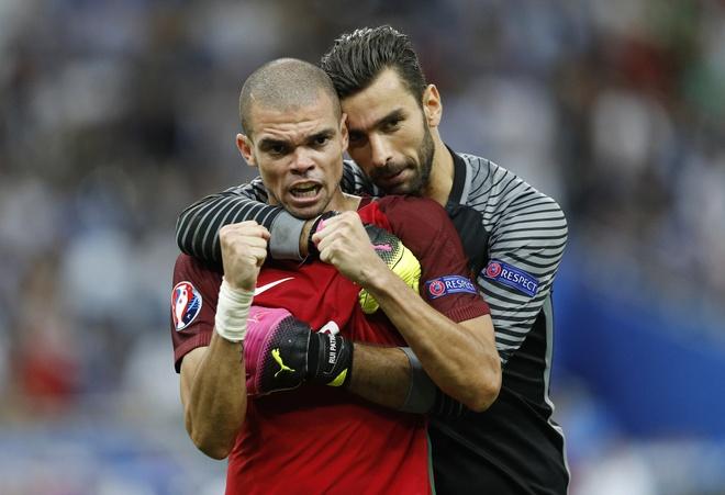 Ronaldo dan dau doi hinh tieu bieu Euro 2016 hinh anh 5
