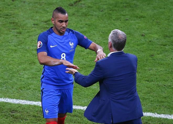 Ronaldo dan dau doi hinh tieu bieu Euro 2016 hinh anh 9