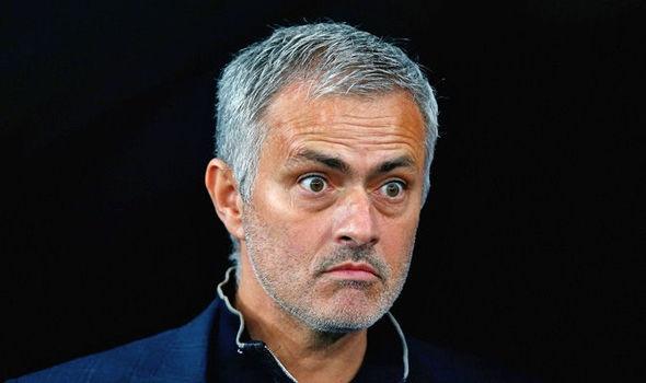 Mourinho dieng nguoi nhin trom dot nhap nha hinh anh
