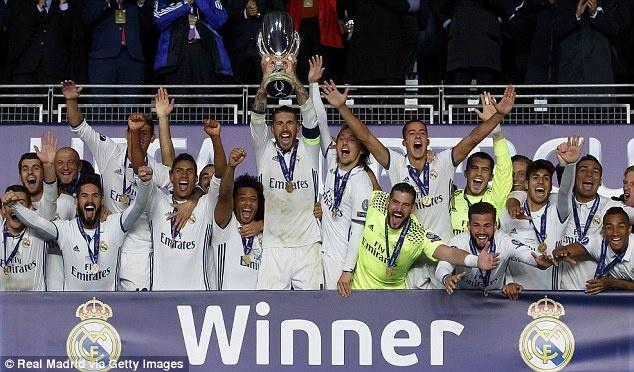 Ronaldo, Pepe tro lai tap luyen san sang cho mua giai moi hinh anh 6