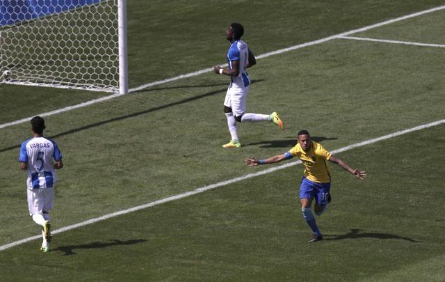 U23 Brazil gianh ve vao chung ket bang chien thang 6 sao hinh anh 6