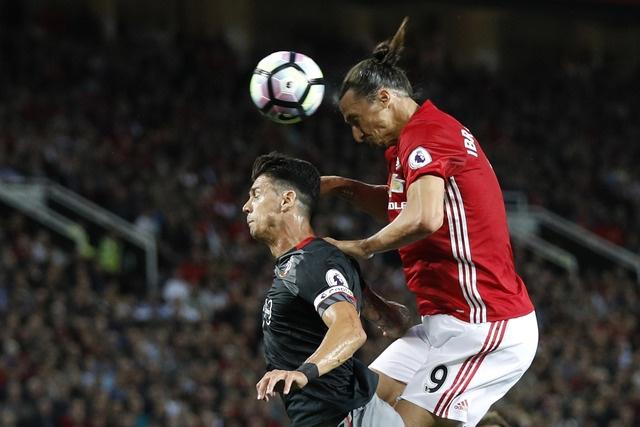 Ibrahimovic lap cu dup, MU de dang vuot ai Southampton hinh anh 22