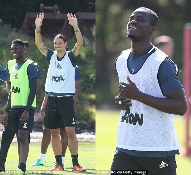 Pogba,  Bailly than thiet trong buoi tap anh 12