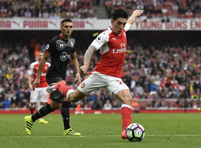 Tan binh choi mo nhat, Arsenal nhoc nhan vuot ai Southampton hinh anh 15